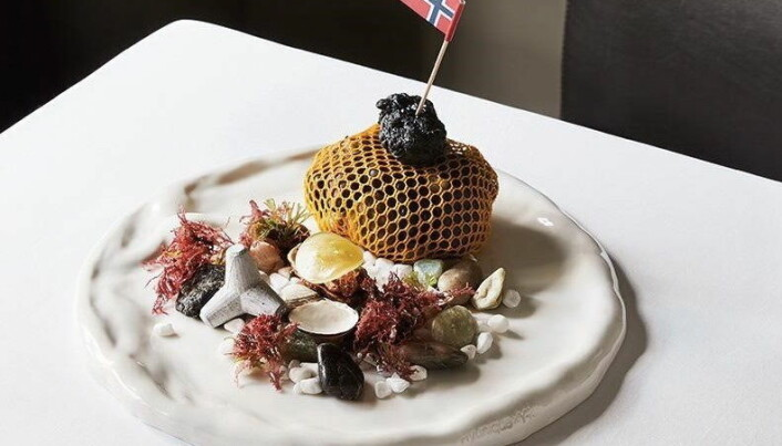 Etter en reise til Norge ble norsk kyst og hav en stor inspirasjonskilde for den sørkoreanske kokken Tae Whan Ryu : Her har han laget kongekrabbe-retten «Petite Honningsvåg». (Foto: Norges Sjømatråd)