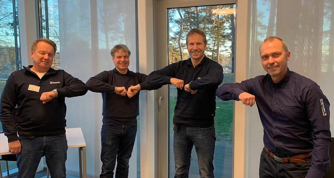 Hemma AS kjøper majoriteten av aksjene i ATW Service AS. Fra venstre Wiggo Stang, Terje Snellingen og Andreas Myhrvold og Brede Hemma. (Foto: Hemma AS)