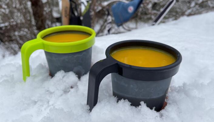 Suppe på termos varmer godt på tur. (Foto: Frukt.no)