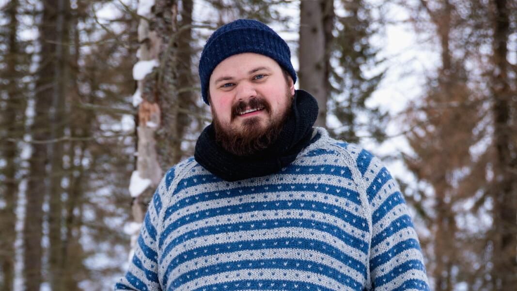 Halvar Ellingsen medvirker i serien Kokkeliv. (Foto: Sølve Sæther, NRK)