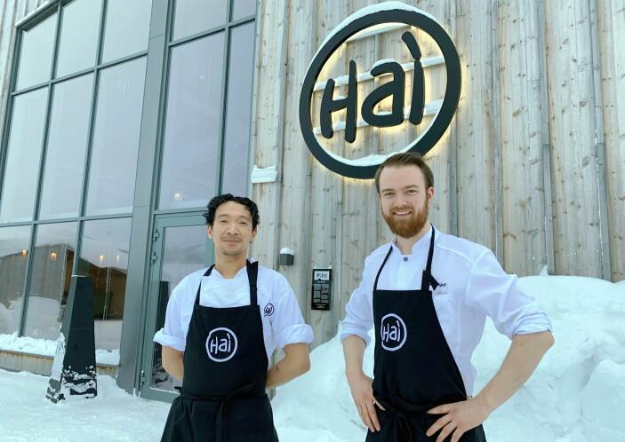 Gean Non har mange års erfaring fra Plah i Oslo, mens kjøkkensjef Johannes Barli har jobbet både på Sentralen og Gamle Raadhus. Nå lager de mat sammen på Sjusjøen. (Foto: Even Rise)