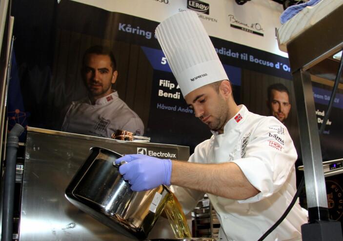Filip August Bendi deltar i Årets kokk for tredje gang på rad. I 2019 endte han på sølvplass, knepent slått av Christian A. Pettersen. (Foto: Morten Holt)