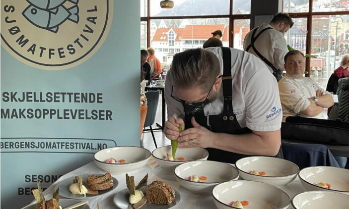 Verdensmester Thomas22 Madsen i aksjon. (Foto: Bergen sjømatfestival)