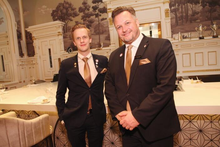 Hotelldirektør Mikael Forselius sammen med restaurantsjef Henrik Dahl Jahnsen. (Foto: Morten Holt)
