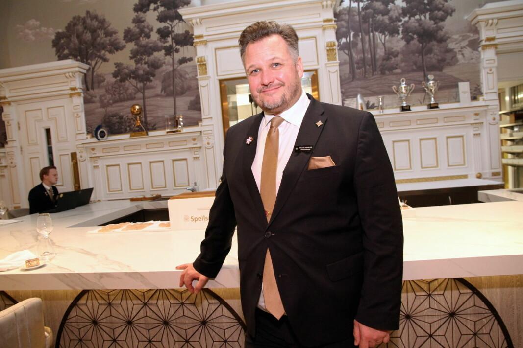 Hotell- og restaurant-Norge stenger - etter de nye retningslinjene i kveld. Britannia Hotel og hotelldirektør Mikael Forselius stenger fra 25. mars. (Foto: Morten Holt)