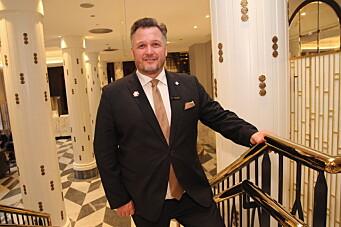 Mikael Forselius er overrasket over regjeringens innstramminger for hotell- og restaurantnæringen. (Foto: Morten Holt)