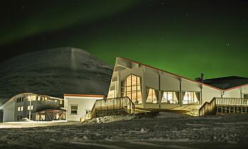 Overtar Hurtigrutens bygningsmasse på Svalbard