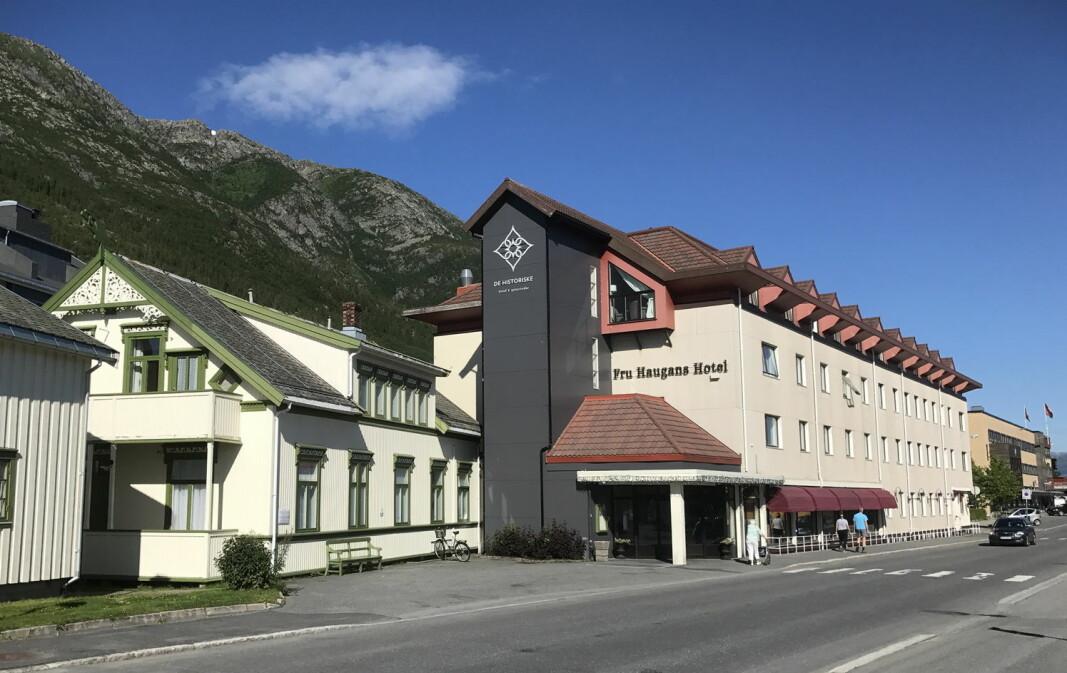 Fru Haugans Hotel i Mosjøen, ett av 39 serveringssteder som er autorisert av Norske Akevitters Venner. (Foto: Morten Holt)
