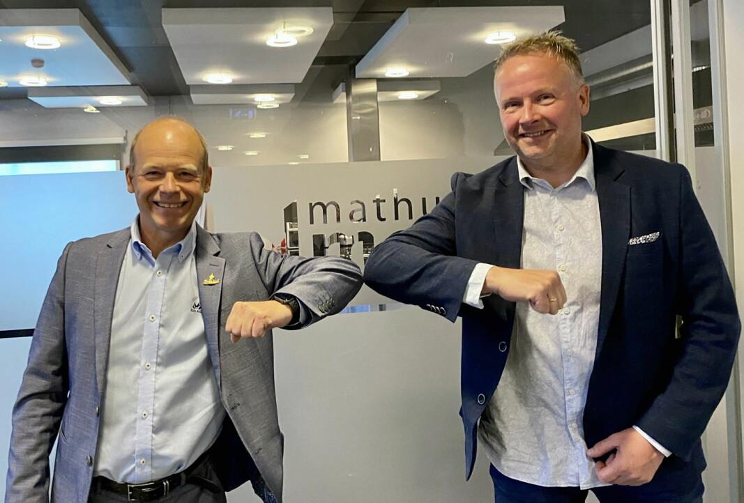 Jørgen Wiig, konsernsjef i Grilstad og Øyvind Hegelstad, daglig leder i Holmens. (Foto: Grilstad)