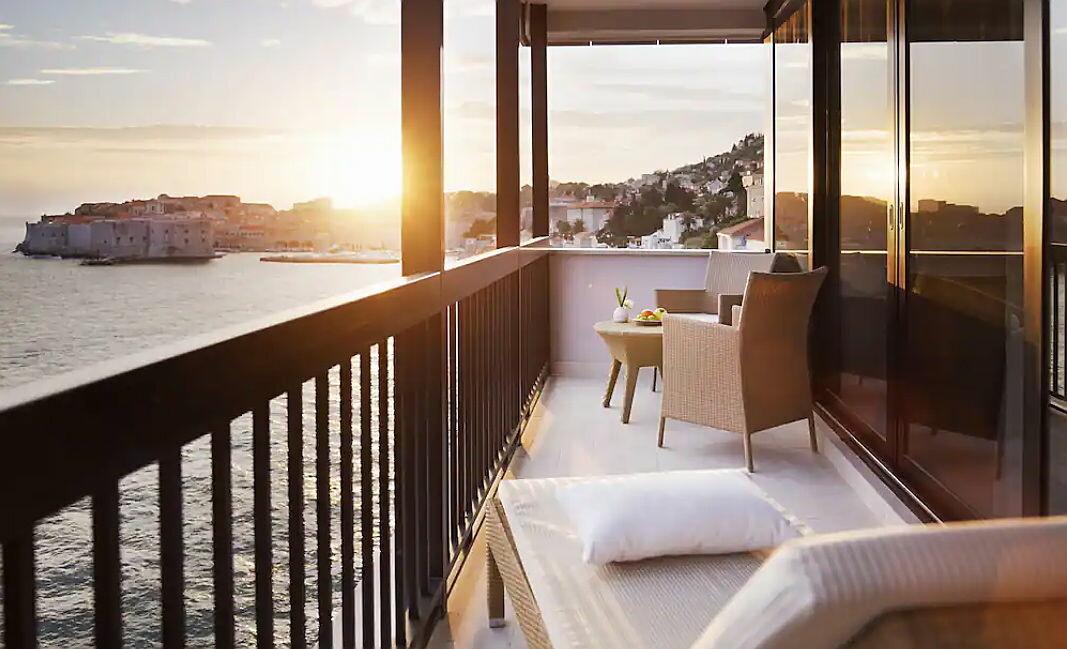 Fra Hotel Excelsior kan du nyte solnedgangen over gamlebyen i Dubrovnik. (Foto: Hotels.com)