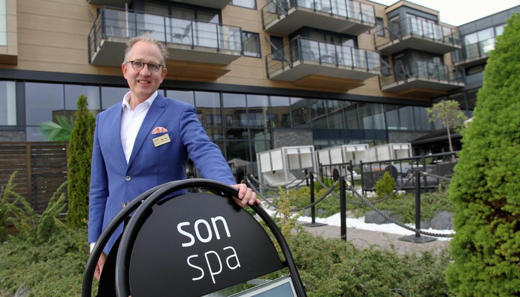 Son Spa har som hittil første hotell i Norge installert et UV-C anlegg som renser luften i alle fellesarealer og på alle rom på hotellet. – Vi vil at både våre gjester og ansatte skal føle seg trygge på hotellet, forteller hotelldirektør Petter Wilhelmsen.