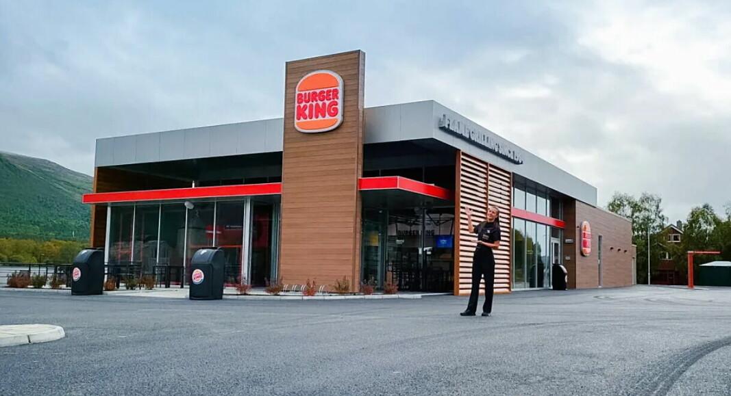 Restaurantsjef Lilly Caroline Åsell og et topp motivert team gleder seg til å åpne Burger King Oppdal. (Foto: Burger King)