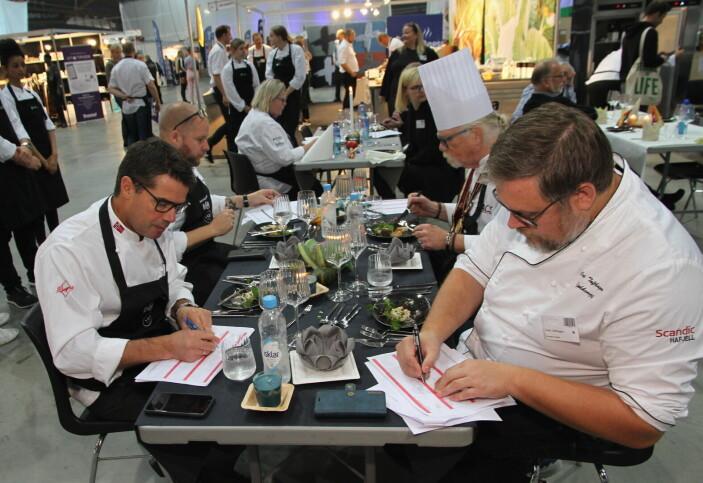 Juryen i Innlandskokken besto av Kjetil Gundersen (fra venstre), Matias Pieslinger, Frode Myklevik og Cato Tofthagen. (Foto: Morten Holt)